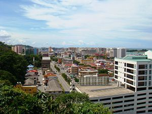 300px-Kota_Kinabalu,_view_from_the_observatory,_Malaysia.jpg